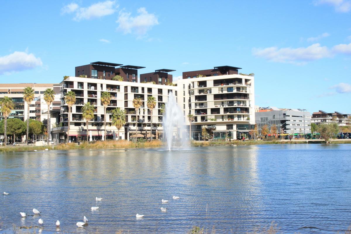 Le bassin Jacques Cœur, dans le quartier Port Marianne, à Montpellier