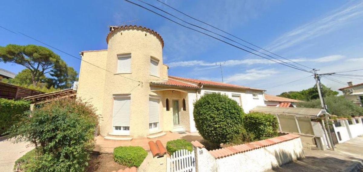 Des maisons modernes dans un décor champêtre, rue de Casseyrols, à Alco