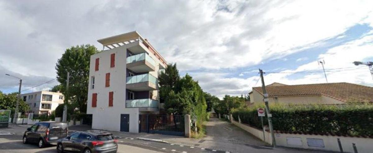 Un immeuble moderne sur l'avenue de la Pompignane, à Castelnau-le-Lez