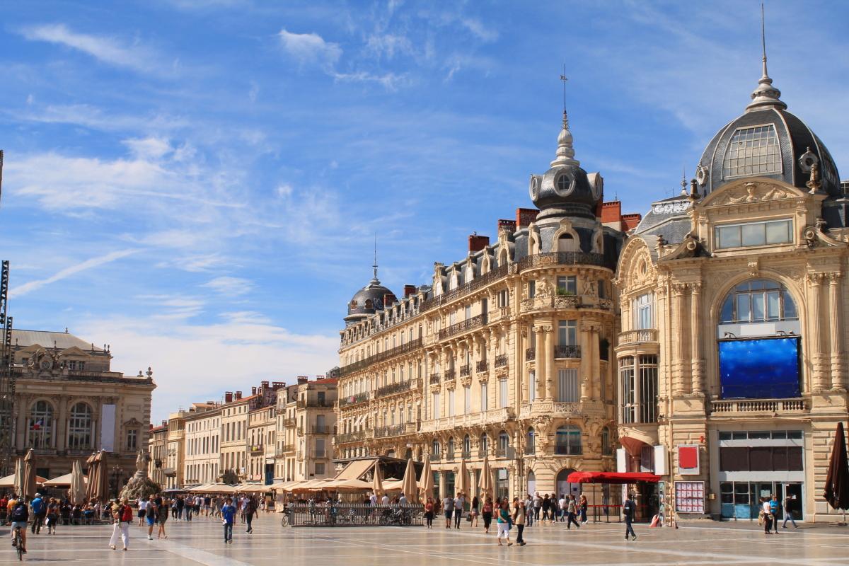 Taux immobilier à Montpellier et en Hérault – vue sur la place de la Comédie