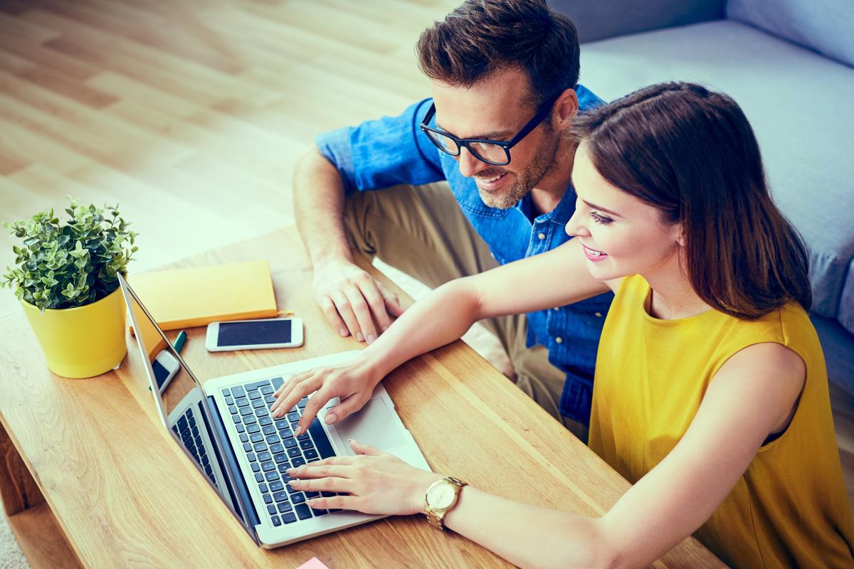 Taux immobilier à Montpellier et en Hérault – jeune couple étudiant leur capacité d'emprunt