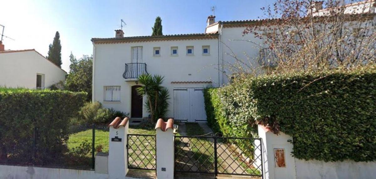 Une maison en R+1 avec un joli balcon et un petit jardin, rue des Musardises, à Montpellier