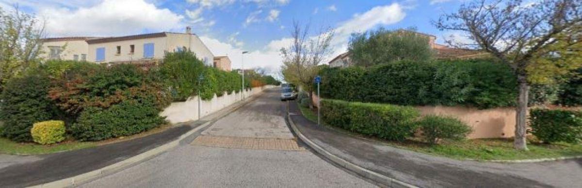 Des maisons familiales avec jardin sur la rue de Mourèze, La Martelle