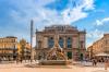La place de la Comédie à Montpellier et la fontaine des Trois Grâces