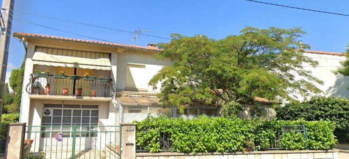 DMaison individuelle avec balcon et jardinet, rue Croix de lasCazes, Les Cévennes