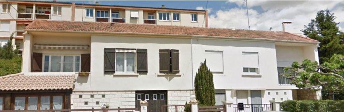 Des maisons mitoyennes en R+1, rue des Cyprès, Près d'Arène