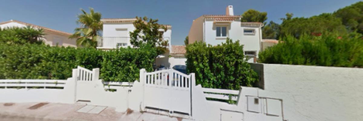 Des maisons avec un petit jardin à La Pompignane, rue Paul Marres