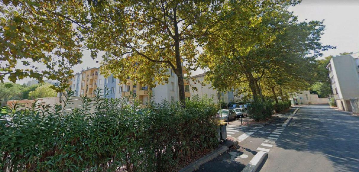 De petits immeubles collectifs dans le quartier des Aiguerelles, boulevard d'Orient