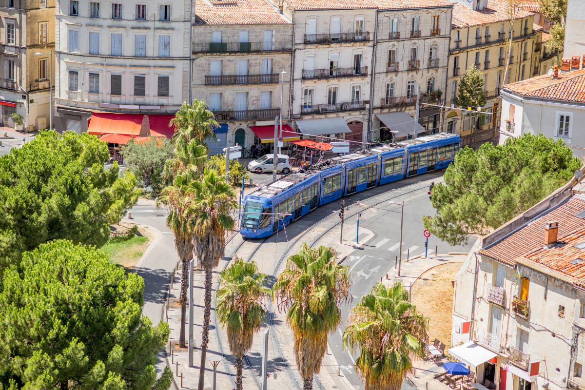 zone anru montpellier - la veille ville de Montpellier et son tramway vue de haut