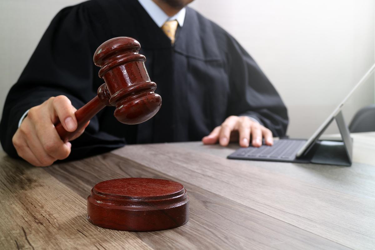 Projet Oxylane – Juge rendant un verdict